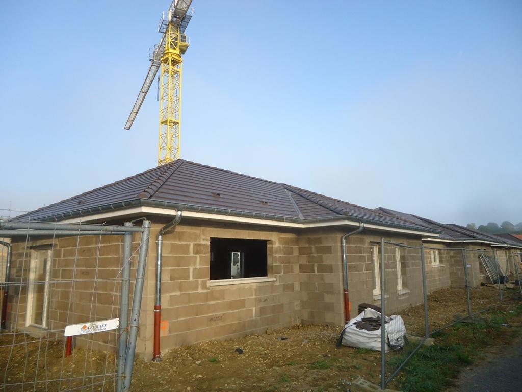 Bertrange pavillons obringer la maitrise du bois for Bertrange piscine